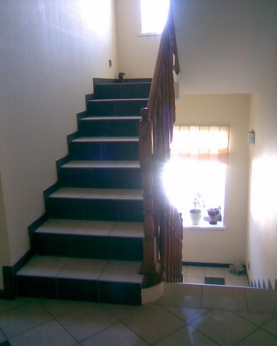 Прямая монолитная лестница